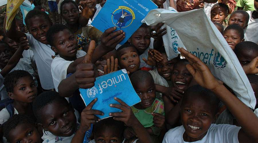 800px-Unicef_in_Congo_(1).jpeg