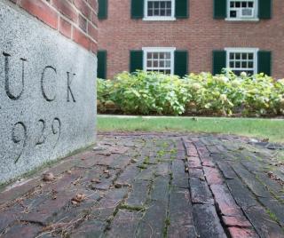 Tuck-360-All-In-900-500.jpg