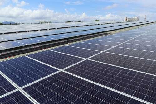 Tuck360-Investing-Climate-Change-Solar-900-500.jpg