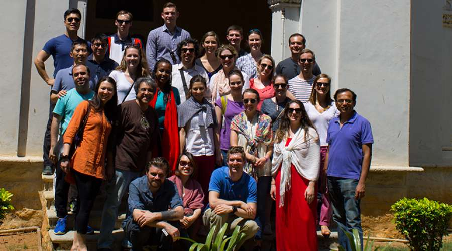 tuck-global-insight-expedition-india-team-group.jpg